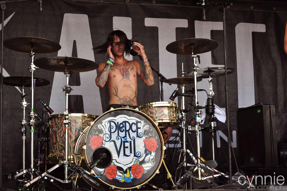 Vans Warped Tour 2010: Pierce The Veil – Edmonton, AB